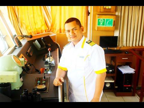 Manuver Kapal Lct.Logindo Valiant Di Handil Kalimantan Timur 08-05-2017