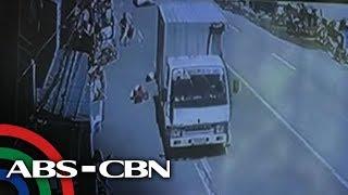 Video TV Patrol: 4-taong bata nagulungan ng truck sa Iloilo, patay download MP3, 3GP, MP4, WEBM, AVI, FLV Juli 2018