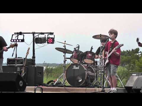 Awesome Kid Band - Thunderstruck