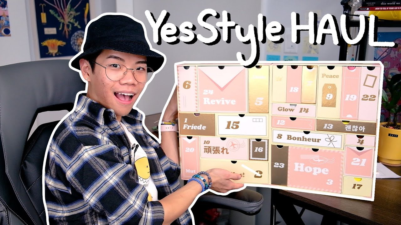 Unboxing a YesStyle Advent Calendar (I need help y'all)