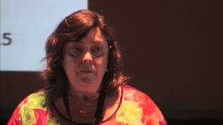 Compromisso com a inovação em materiais opto/eletrónicos | Isabel Ferreira | TEDxFCTUNL