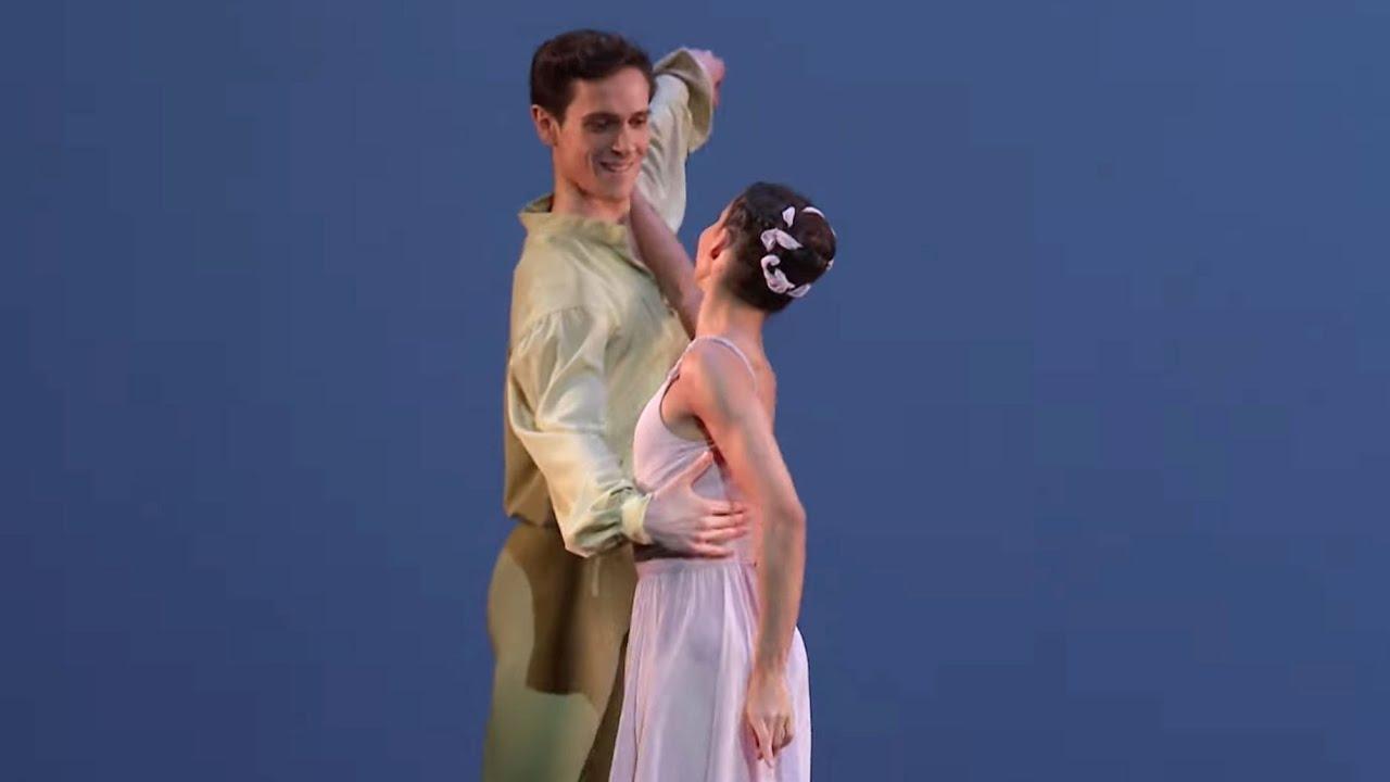 Dances at a Gathering pas de deux (Jerome Robbins; Francesca Hayward, William Bracewell)