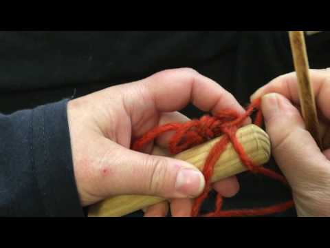 Nålebinding / Nalbinding:  Oslo Stitch Around A Dowel.