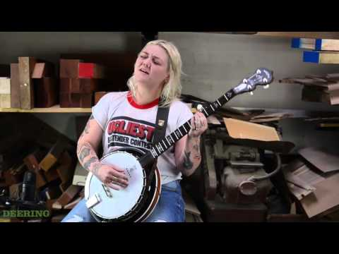 Deering Woodroom Sessions - Elle King performs