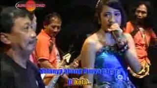 Merinda Anjani feat. Doyok - Abang Madun