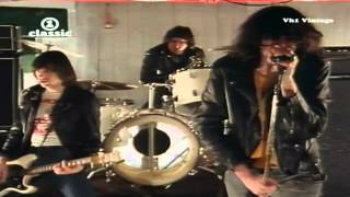 The Ramones - Don't Come Close [HD]