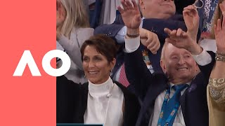 Rod Laver doing the wave at the men's final | Australian Open 2019