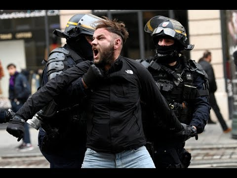 Police crack down as 'yellow vest' movement unearths French malaise