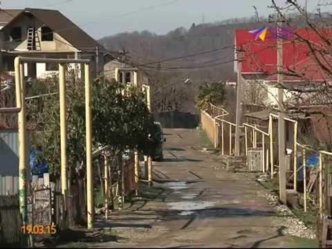 Бездорожье наступает. Жители Варваровки вынуждены ходить по грязи