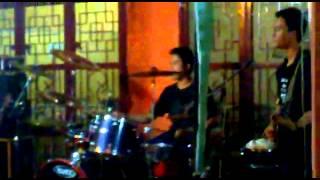 peanut's band # asal british hut DIF studio