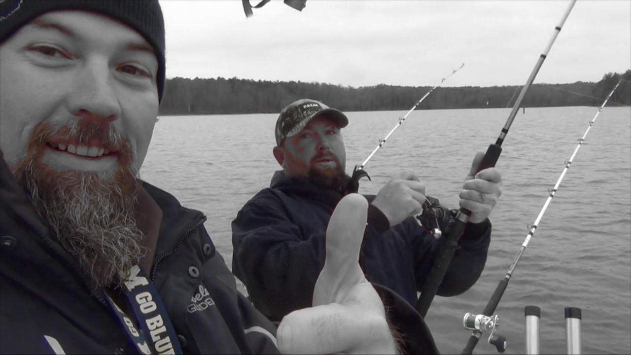 Great day striper fishing on lake hartwell sc youtube for Lake hartwell striper fishing report