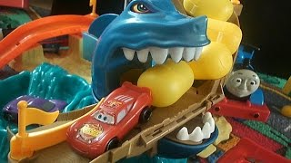 CARS 2 Kinderfilm Shark Attack Kinder Surprise Eggs Cars Thomas und seine Freunde Deutsch Toymovies