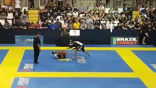 Ceonato Brasileiro de Jiu Jitsu Sem Kimono 2017 luta 1 Faixa preta