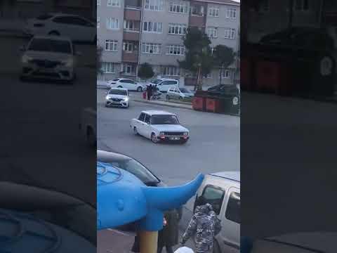 Samsun'un Atakum ilçesinde otomobille drift yapan sürücüye 5 bin 10 lira ceza kesildi.