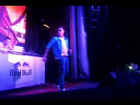 Jay Santos - Caliente (Live)