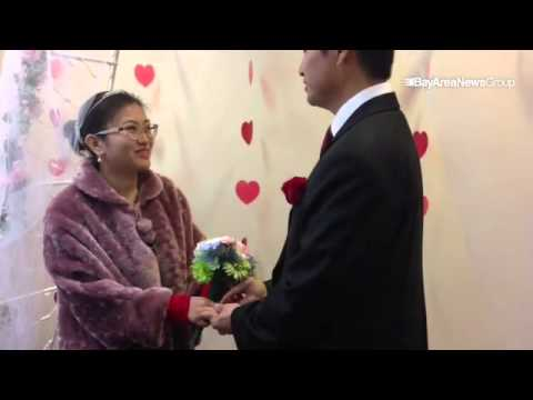 VIDEO: marriage ceremonies take place @ Alameda County clerk's office in #Oakland on #Valentine's Da
