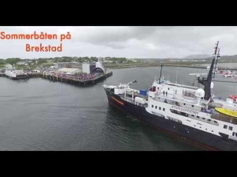 Sommerbåten kommer til Brekstad