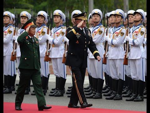 U.S. Army Joint Chiefs of Staff in landmark Vietnam visit