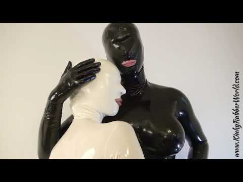 Lara Latex Full