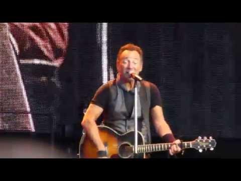 Bruce Springsteen - Waitin' On A Sunny Day live Berlin 19.06.16 Olympiastadion