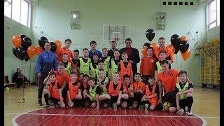 «Урал-2» в школе № 102 // Футбольный урок физкультуры