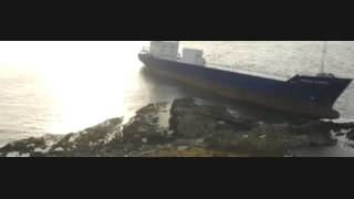 Footage of huge cargo ship run aground