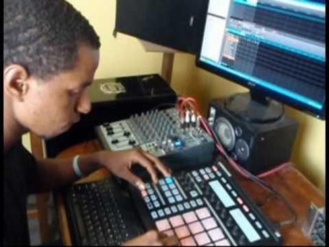 Making a Reggae Track with NI Maschine