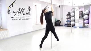 Учимся танцевать  стриппластика с пилоном тренер Ирина
