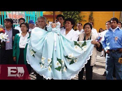 """Fieles al  """"niñopa"""" en Xochimilco / Vianey Esquinca"""
