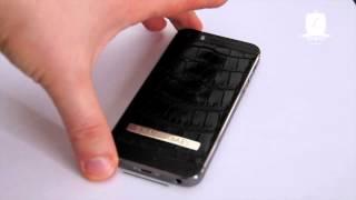 Обтяжка кожей крокодила iPhone 5s, именная надпись, отделка деревом