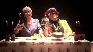 Do'Storieski ft. Coro Ombra con Lidia e Fernanda ad augurare un Natale all'insegna della sobrietà.