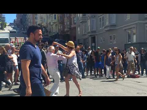 Union Street Music Festival,2018, San Francisco,Tommy Odetto entertaining the crowd