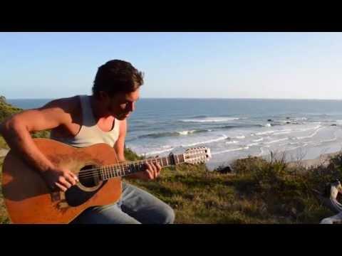 Chris Matthews performs