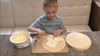 Детский торт. Дети с удовольствием помогают его делать