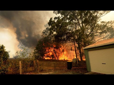 Record 17 emergency fire warnings for NSW