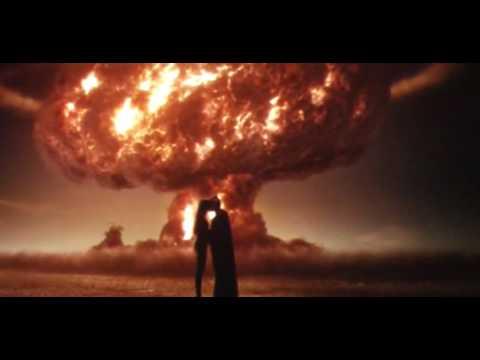 Поцелуй из фильма «Хранители»