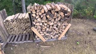 quick & easy DIY shipping pallet firewood holders