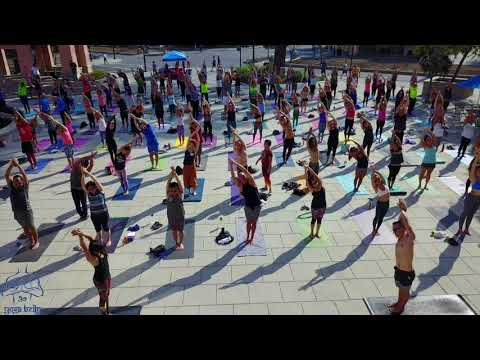 Yoga at the Plaza 2017
