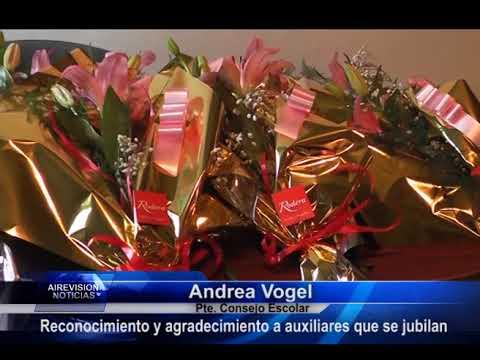 Andrea Vogel Reconocimiento a auxiliares de educación que se jubilan
