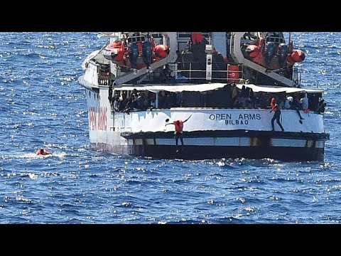 إيطاليا تسمح بإنزال المهاجرين العالقين على متن -أوبن آرمز- في لامبيدوزا  - 14:56-2019 / 8 / 21