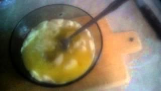 Рецепт омлета с помидорами и колбасой