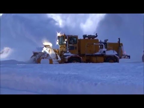 Dulles Airport Snow Removal 1-24-2016 (AM)
