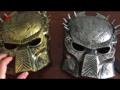 Золотая маска Хищника с оружием
