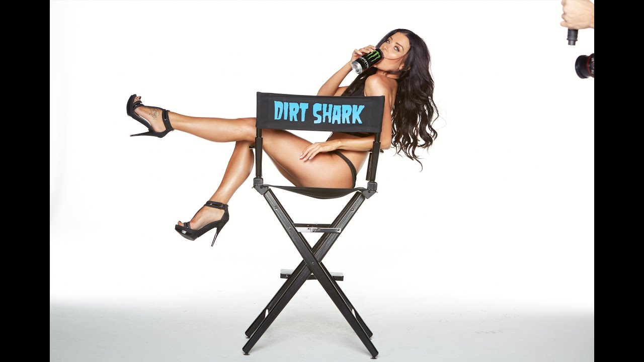 画像: Dirt Shark- 2015 Monster Energy Girl Shoot www.youtube.com