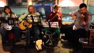 Fiddle Earth.  Black velvet Band