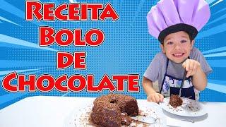 RAFAEL VIROU COZINHEIRO POR UM DIA E FAZ BOLO DE CHOCOLATE BEM FOFINHO 🎂 Brincando com o Rafael