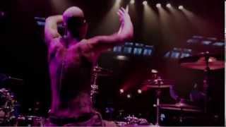 Esattamente 6 anni fa usciva il video di Push 'Em (Steve Aoki & Travis Barker Remix) di Travis Barker!
