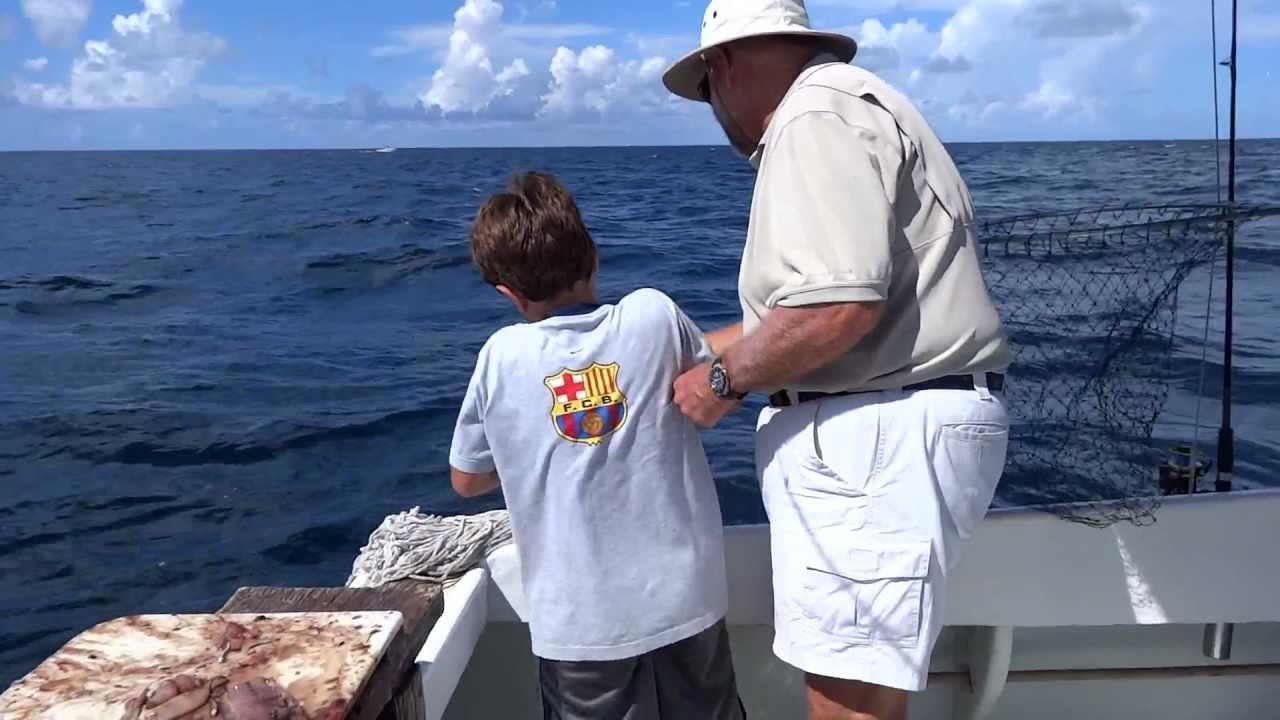 B With Fishing Ellen In Bermuda Jack Almaco Reef The On IWD2E9H