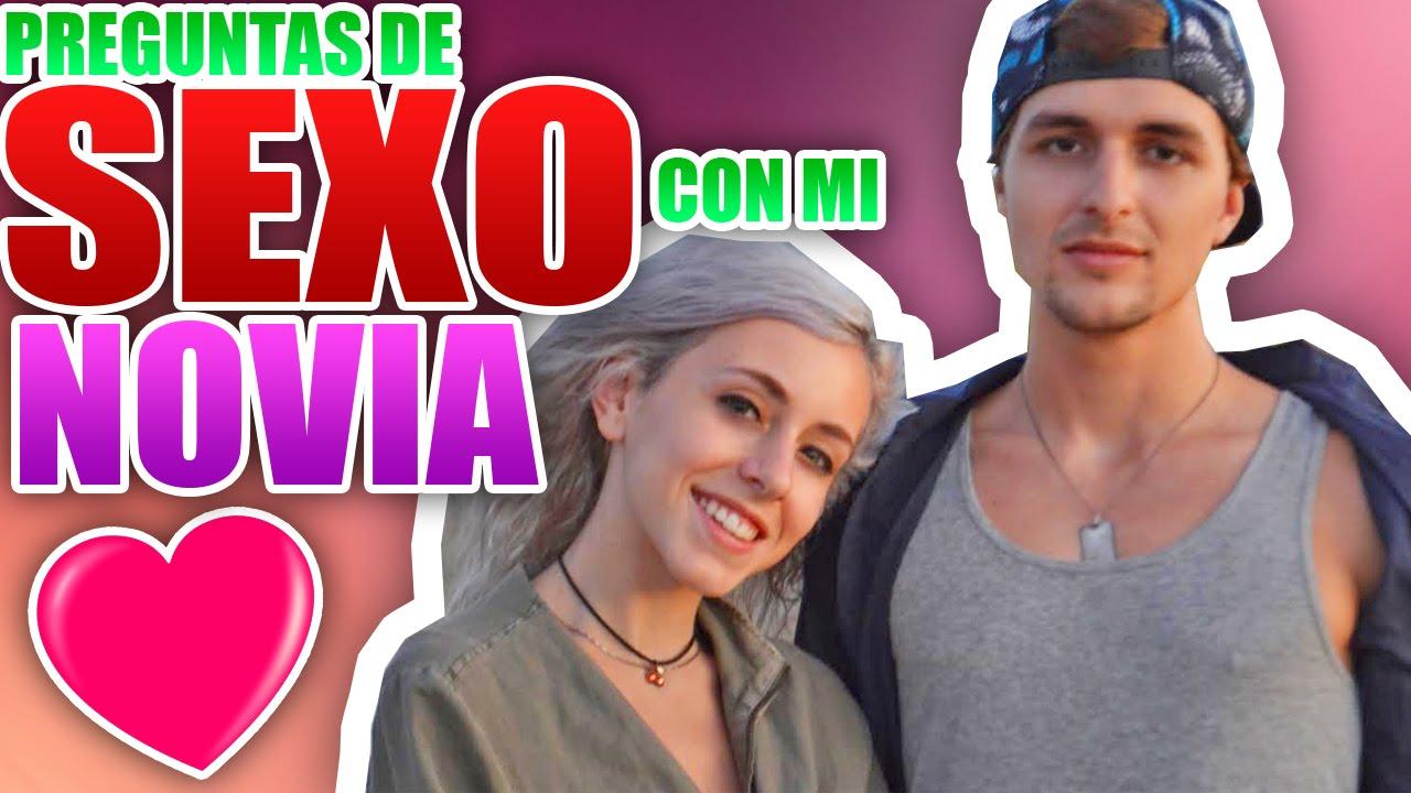 Novia haciendo sexo anal con el novio en la webcam