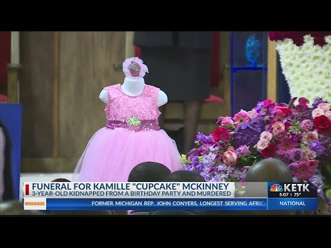 kamille-'cupcake'-mckinney-mourned-at-funeral